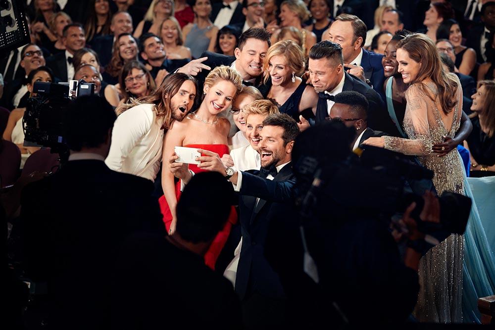 oscars-selfie-jennifer-lawrence